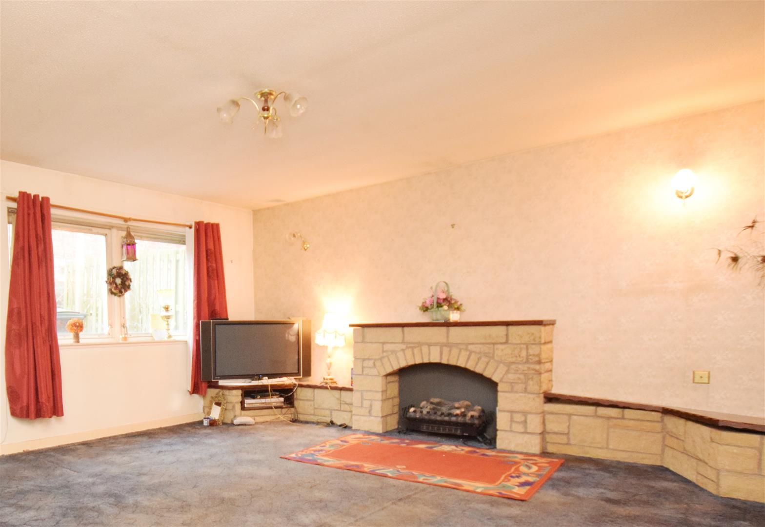 Flat 3, 48 Perth Road, Blairgowrie, Perthshire, PH10 6DN, UK